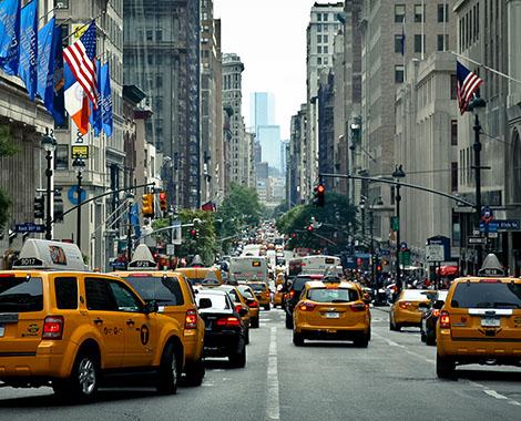 Cinquieme avenue new york manhattan taxi jaune yellow