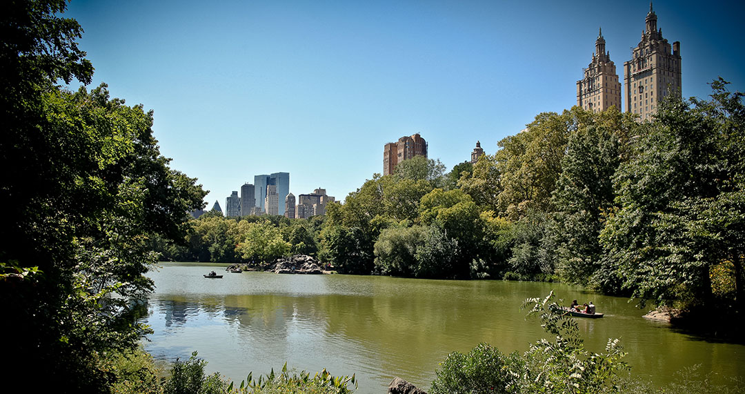 Central Park Lake New York Dakota Building Manhattan