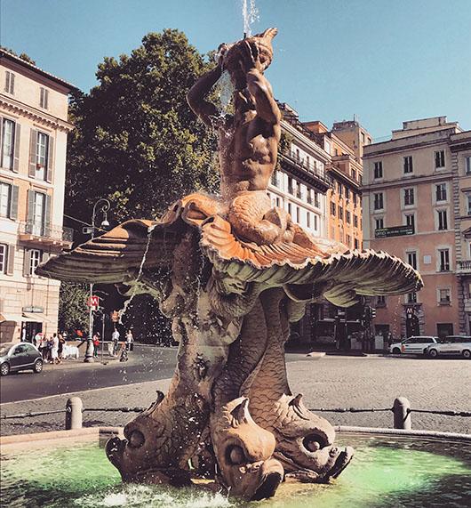 Fontaine Triton Piazza Barberini Rome Italie