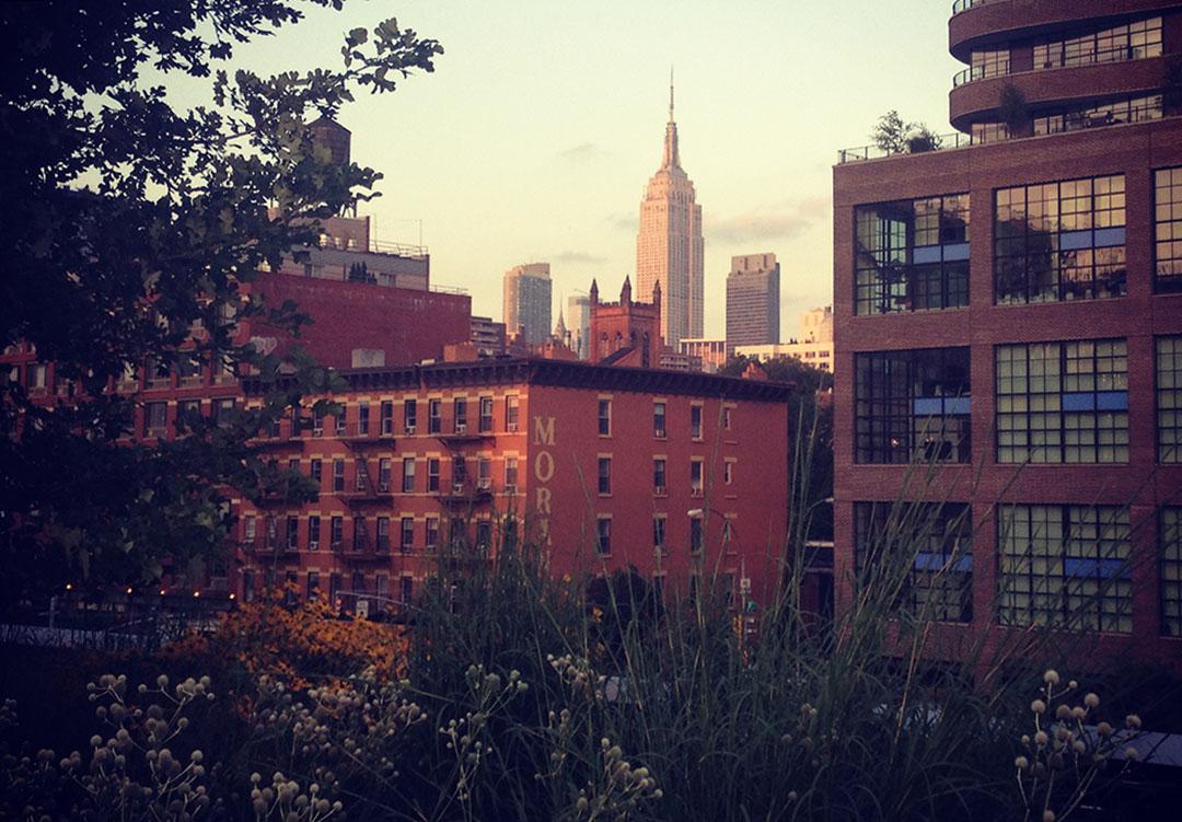 Highline new york manhattan empire state building sunset
