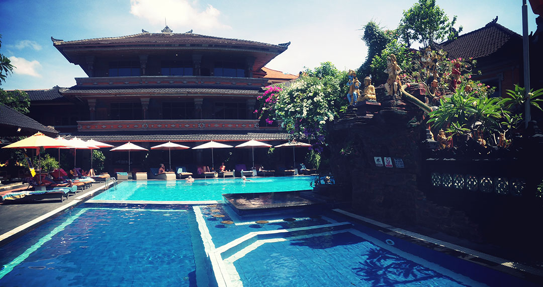 Hotel wina holiday kuta bali piscine