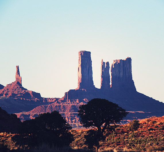 Monument Valley Arizona Road Trip USA three sisters