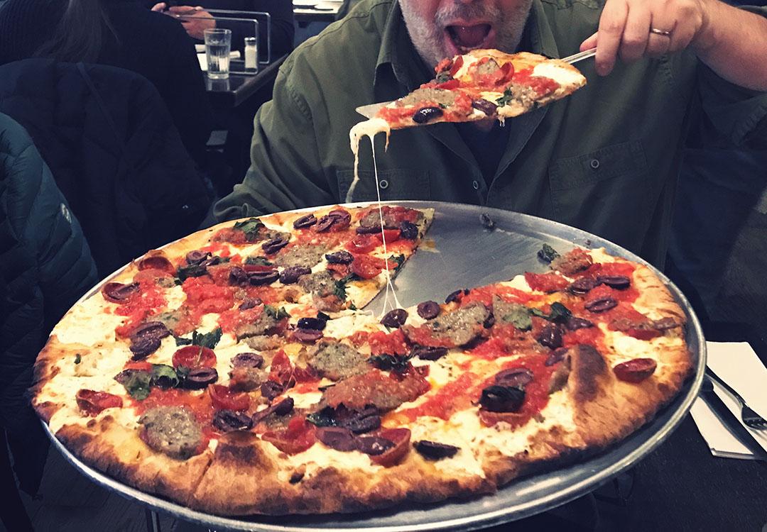 Juliana's pizza brookyn new york best food restaurant city