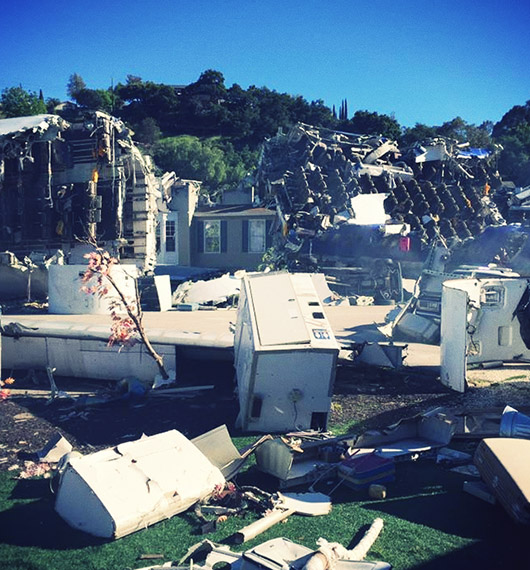 Plane crash universal studios hollywood Was of worlds Spielberg 2