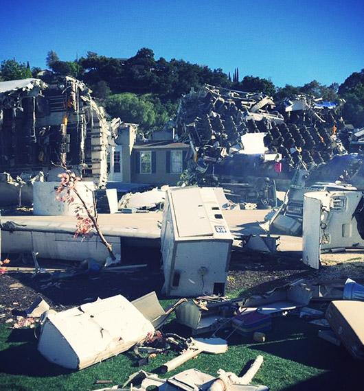 Plane crash universal studios hollywood Was of worlds Spielberg 2