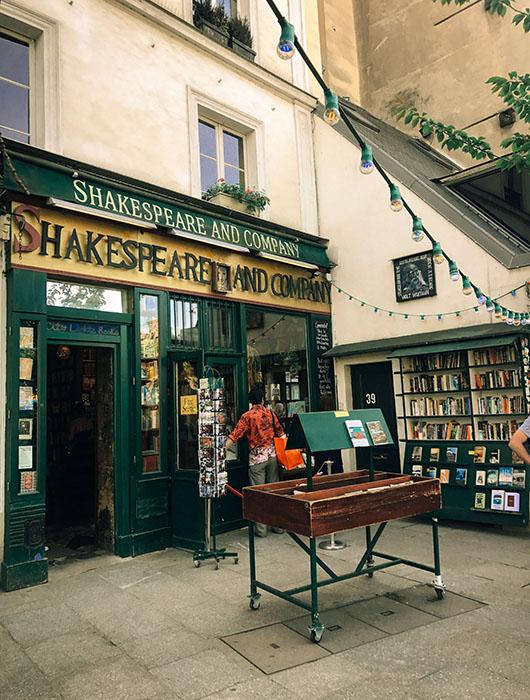 Quais de seine Shakespeare company librairie Paris Sentier de grande randonnée