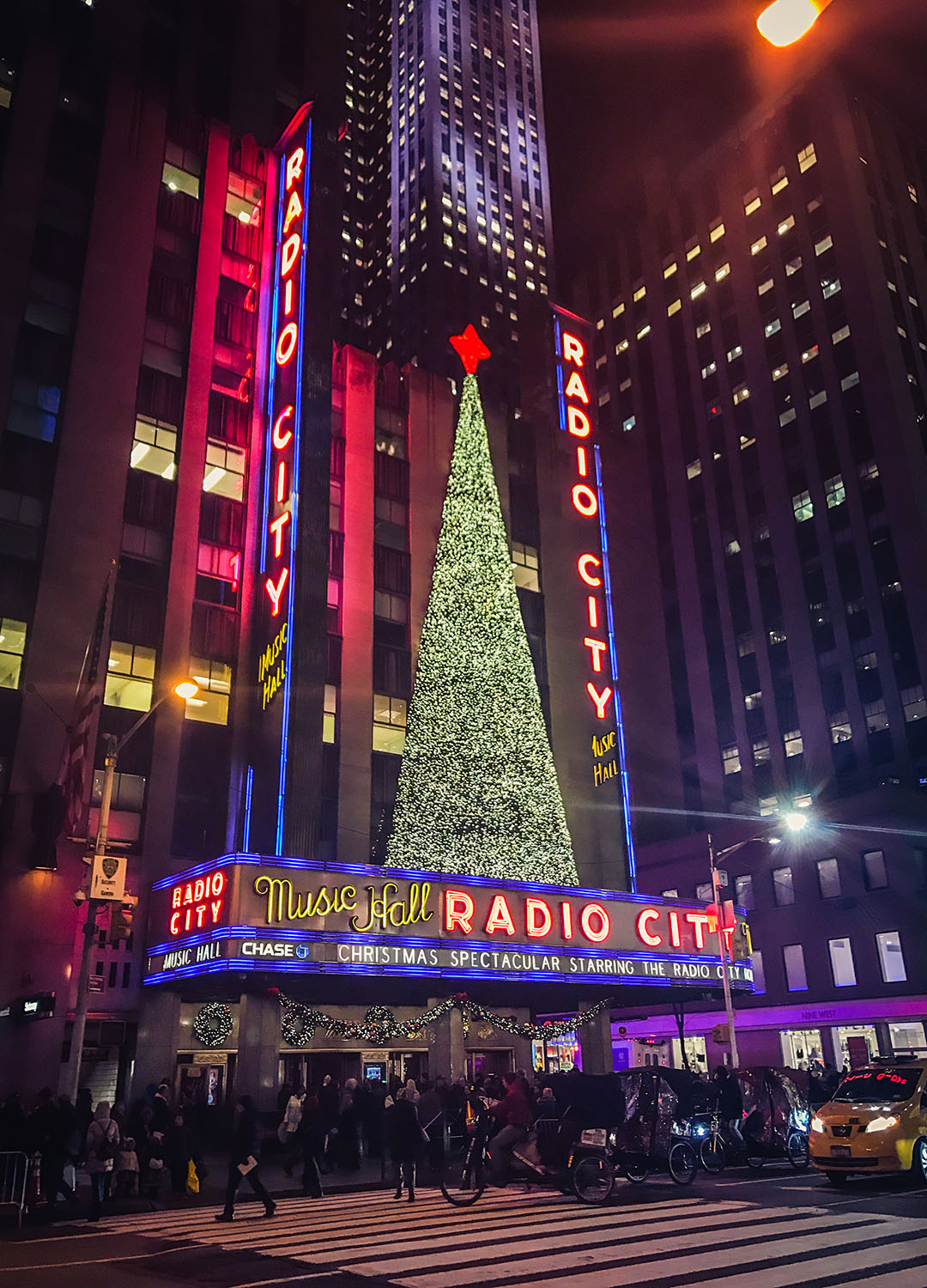 Radio City Music Hall Christmas Spectacular Rockettes Noel New York