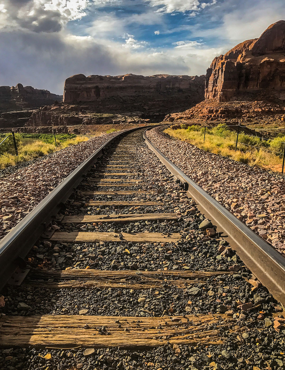corona arch trail moab utah road trip usa trains rails