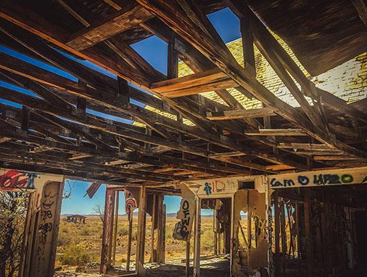 Two guns ghost town arizona route 66 road trip street art USA