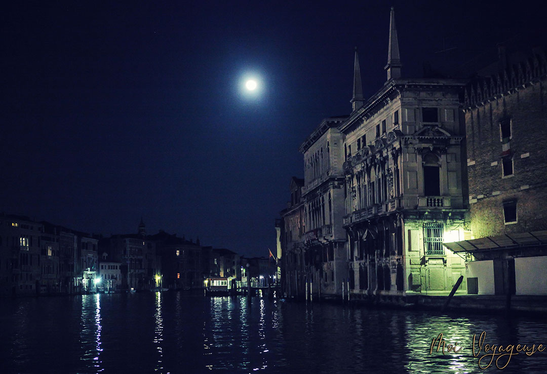 Venise grand canal nuit
